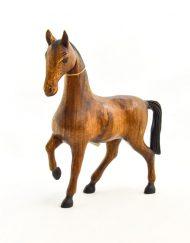 Cavalo em Madeira